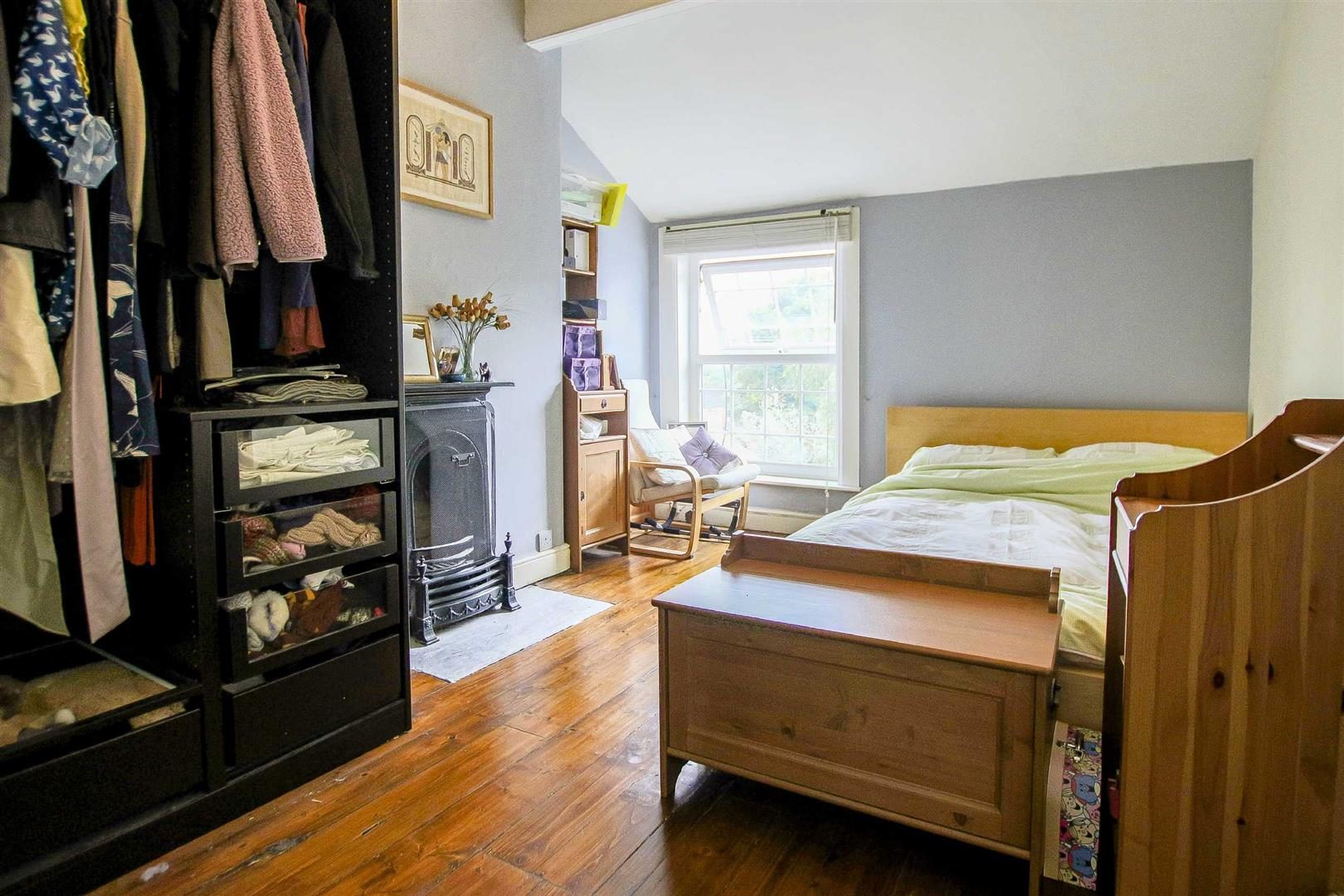 5 Bedroom Terraced House For Sale - Image 12